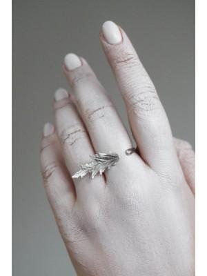 "Srebrny pierścionek ""Na skraju liścia"""