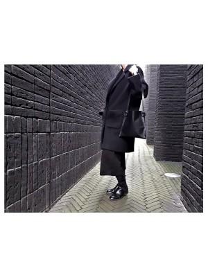 CLASSIC BLACK