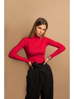 Sweter z golfem czerwony